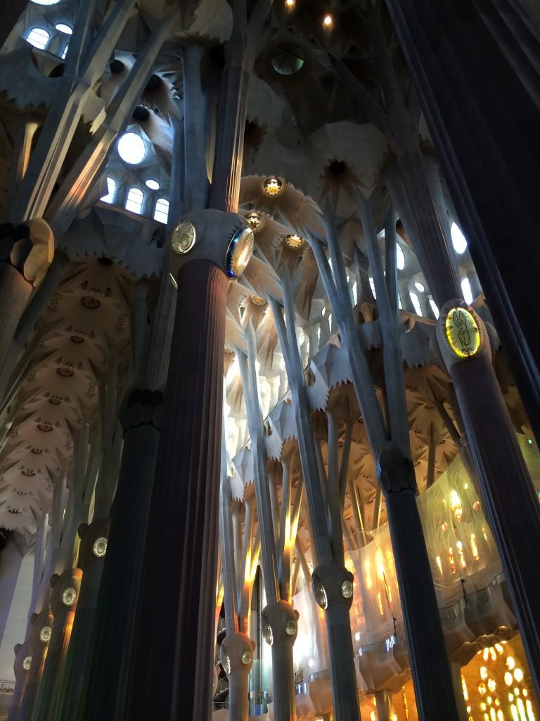 Inuti Sagrada Familia