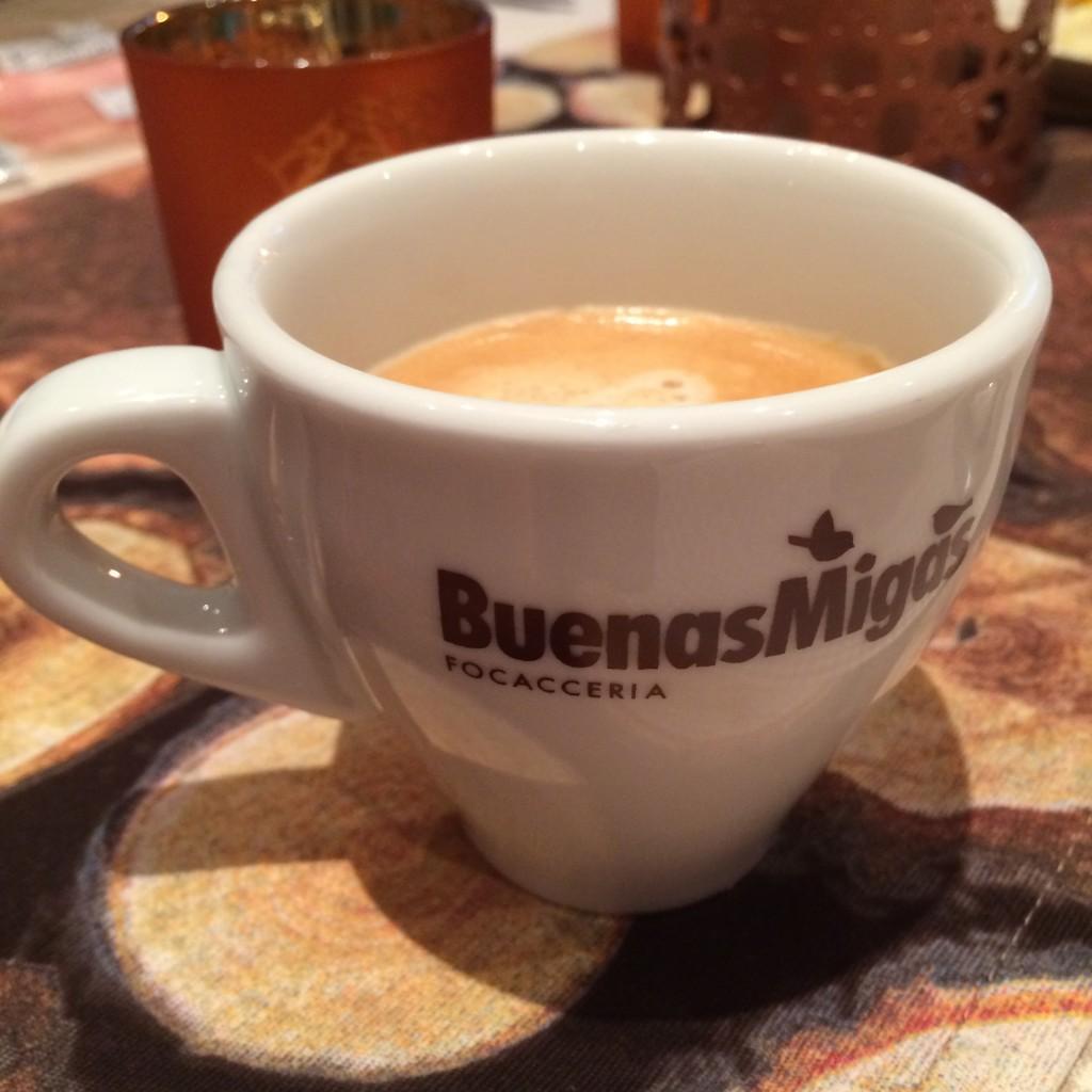På vår resa till Barcelona köpte jag två fina kaffekoppar på ett kafé! De var begagnade men i fint skick.