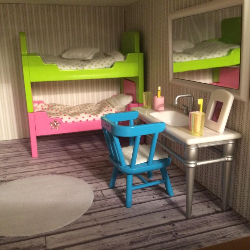 Det gamla badrummet blev ett nytt rum till barnen! Golv utskrivet från Ellos, en fototapet! Tapet från Panduro.