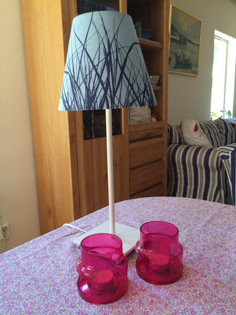Lampskärm (som ny) och ljuslyktor! Mysfaktorer!