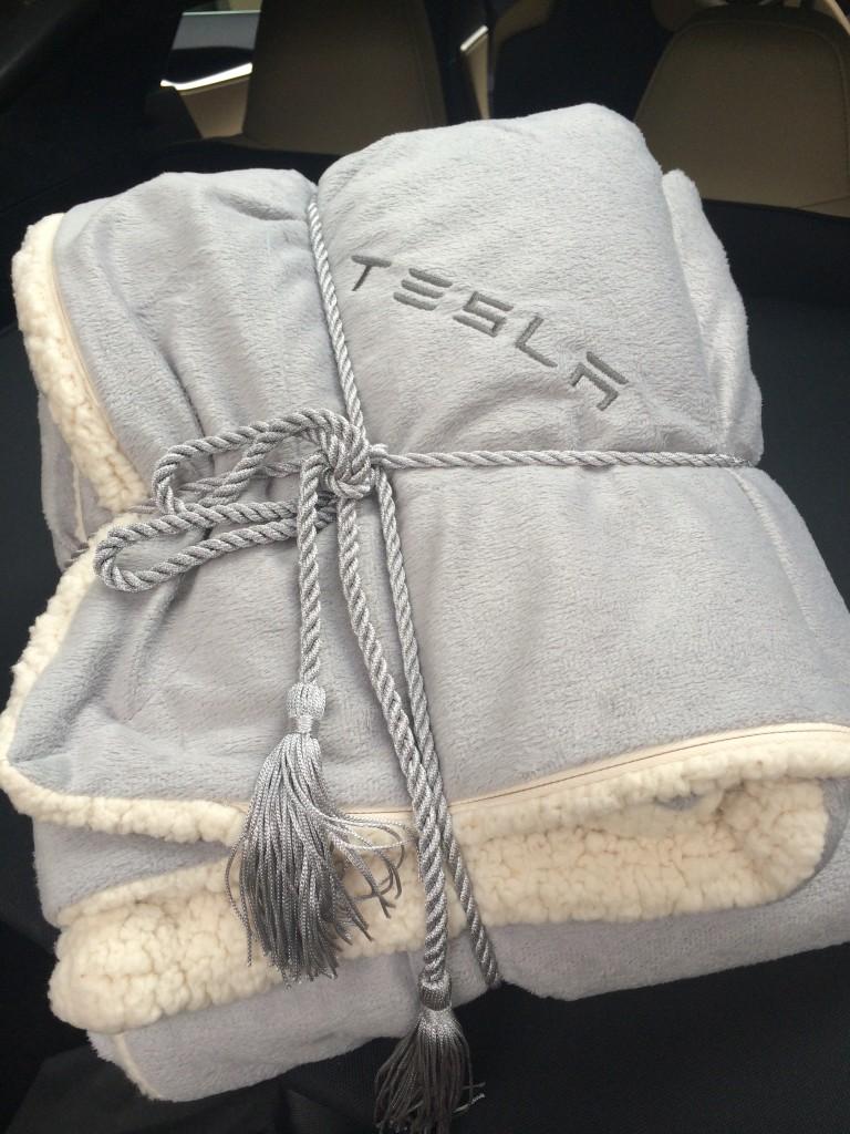 Filt Tesla i bagaget!