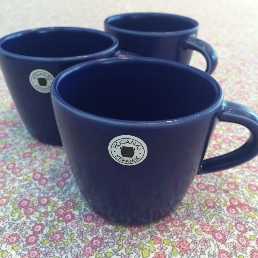 Tre Höganäs-kaffekoppar! Lagom till en liten kaffeslurk. Som nya! 25 kr/st